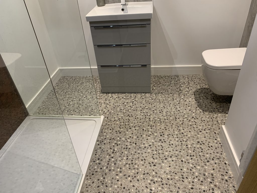 laminate vinyl tiling in bathroom